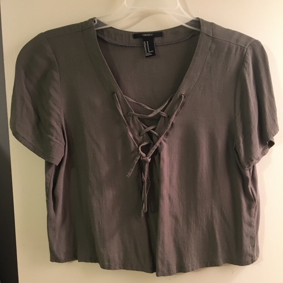 Forever 21 Tops - Cropped criss cross top